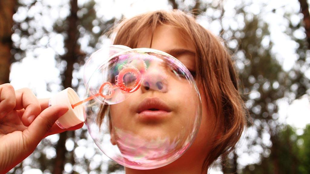 Ребенок с мыльным пузырем, Установка
